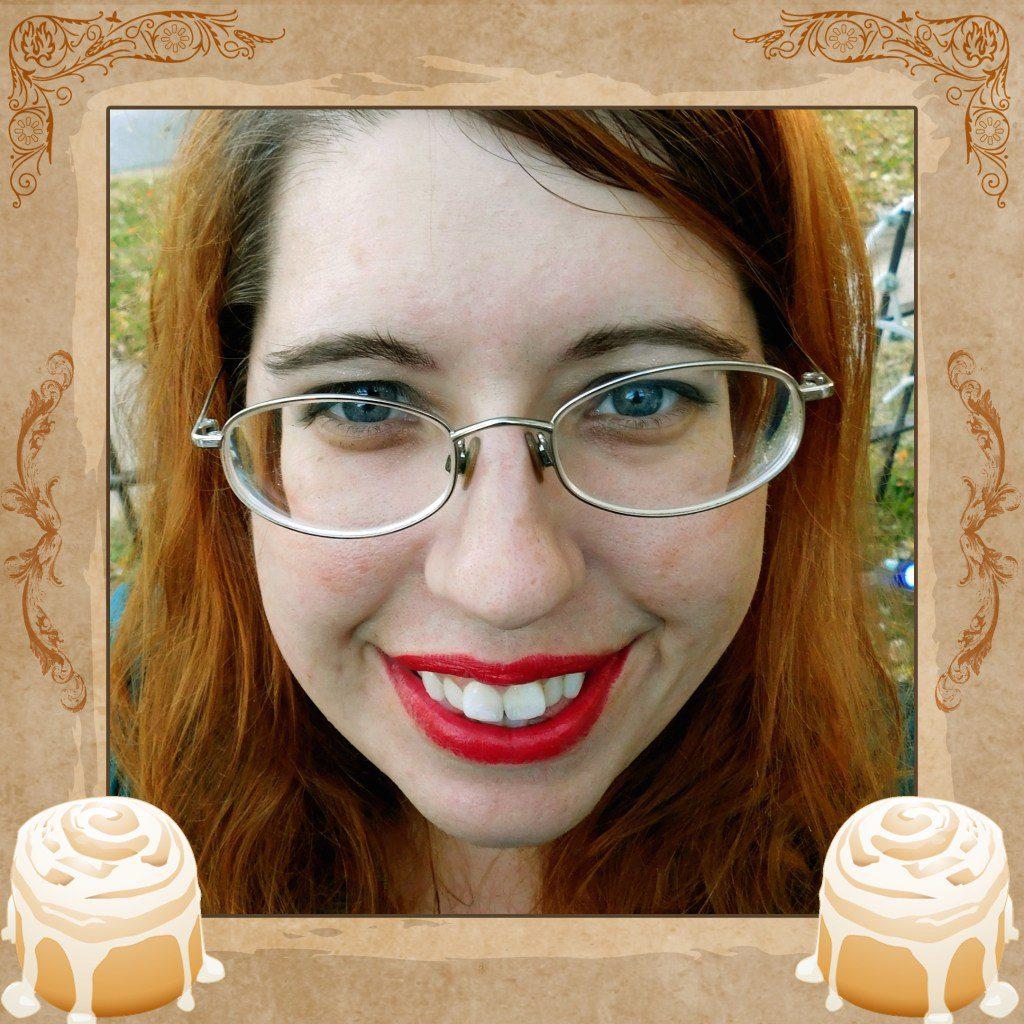 Ellen Mint Cinnamon Roll